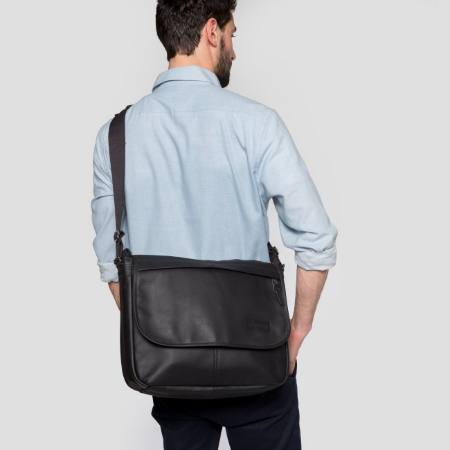 453069c461 Eastpak Delegate Black Ink Leather - ca